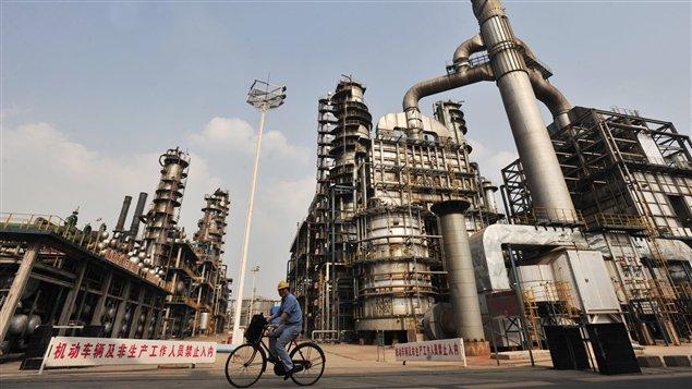 Une raffinerie de Sinopec à Wuhan, en Chine