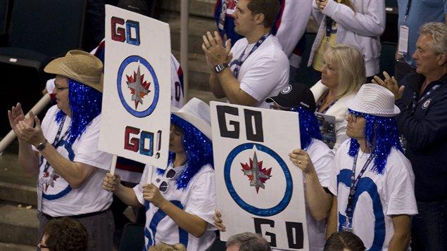 Des partisans des Jets de Winnipeg