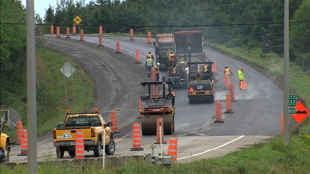 Des travaux d'asphaltage