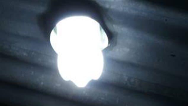 Une bouteille ampoule solaire