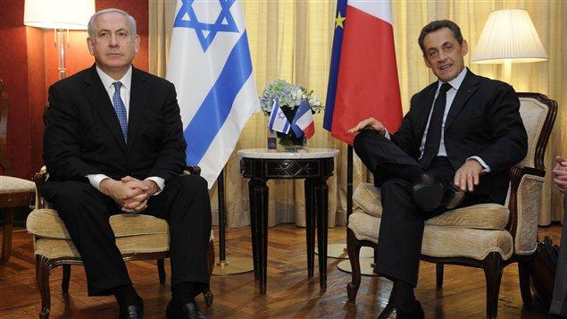 Le premier ministre israélien Benyamin Nétanyahou et le président français Nicolas Sarkozy, lors d'une rencontre tenue en marge de l'Assemblée générale des Nations unies, à New York, le 21 septembre 2011.