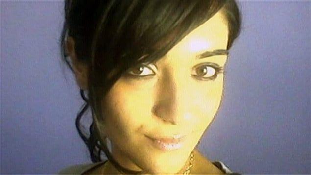 Une photo Zainab Shafia retouvée sur son téléphone  cellulaire