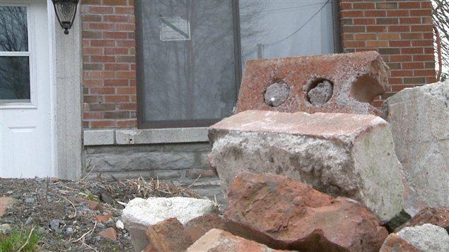 Briques devant une maison