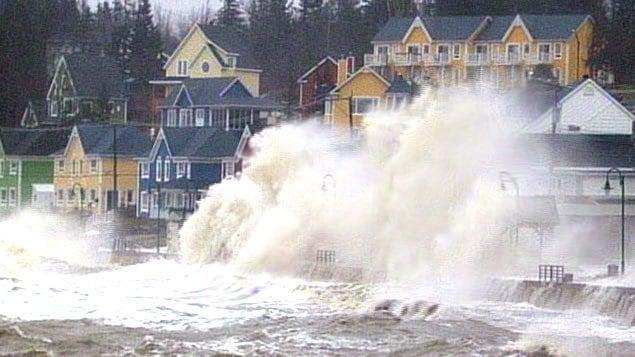 Grande marée du 6 décembre 2010 à Sainte-Luce