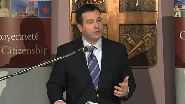 Le ministre de la Citoyenneté, de l'Immigration et du Multiculturalisme, Jason Kenney
