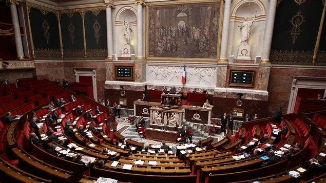 Les députés votent à l'Assemblée nationale (22 décembre 2011).