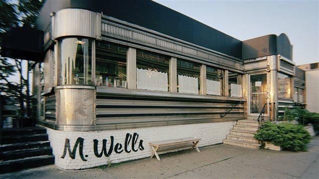 La devanture du restaurant M. Wells, dans Queens