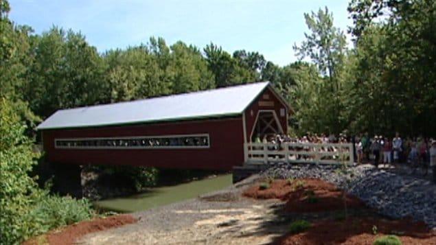 Le pont de bois avait été inauguré en 2007.
