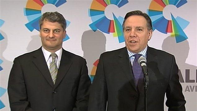 François Legault et Gérard Deltell en conférence de presse.