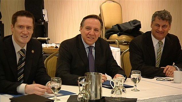 Le chef de la Coalition Avenir Québec, François Legault siège au caucus de son parti.