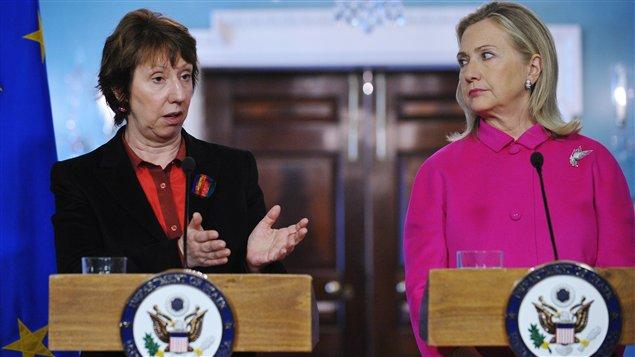 La chef de la diplomatie européenne, Catherine Ashton, et la secrétaire d'État américaine, Hillary Clinton.