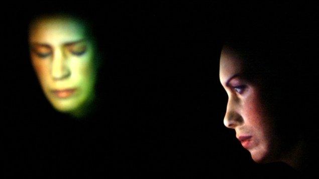 En 2002 à Avignon, Céline Bonnier interprète «Les Aveugles» de Maurice Maeterlinck, une fantasmagorie technologique conçue et réalisée par Denis Marleau