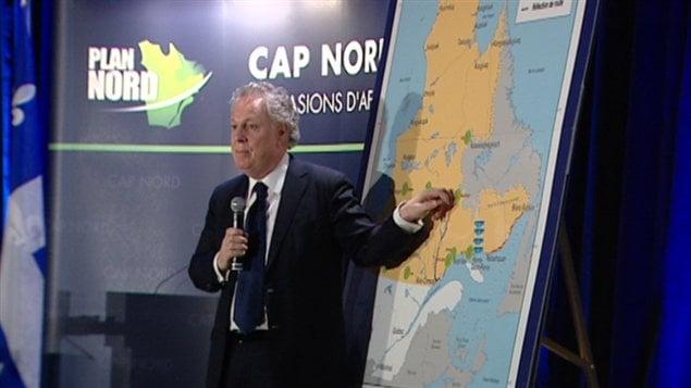 Jean Charest présente le Plan Nord à Gatineau.
