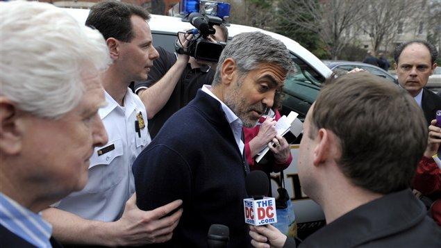 George Clooney arrêté lors d'une manifestation devant l'ambassade du Soudan à Washington