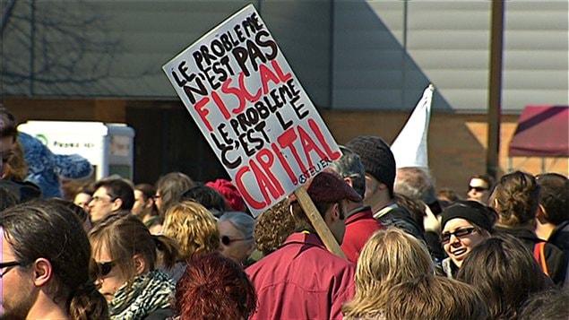 Manifestation familiale en appui au mouvement étudiant à Québec