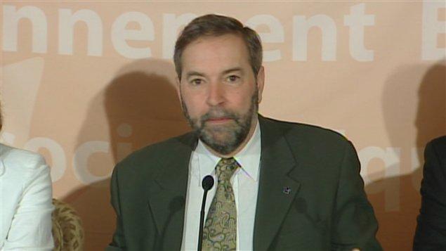 Le candidat à la direction du NPD Thomas Mulcair en conférence de presse à Toronto