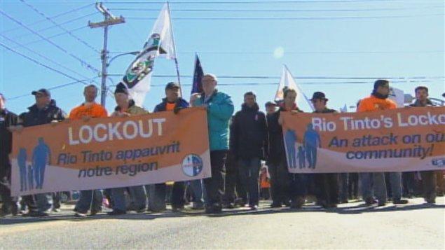 Les dirigeants du STAA-Métallos, section locale 9490, ont ouvert la marche.