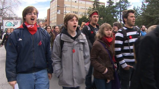 Des manifestants contre la hausse des droits de scolarité, à Montréal