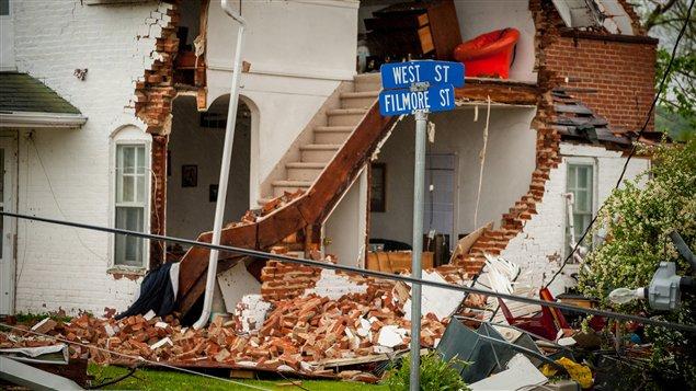 Dégâts causés pat une tornade à Thurman, en Iowa.