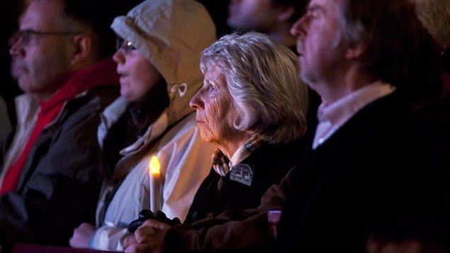 Des centaines ont participé à une cérémonie à Halifax pour souligner les 100 ans du naufrage du Titanic.