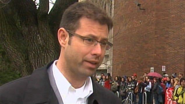 Éric Dionne, directeur de l'École Joseph-François-Perrault.
