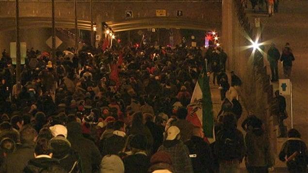 Les manifestants sur la rue Berri