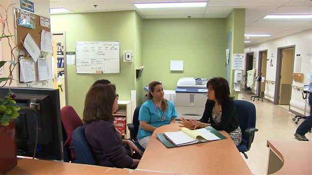 Discussion à l'hôpital