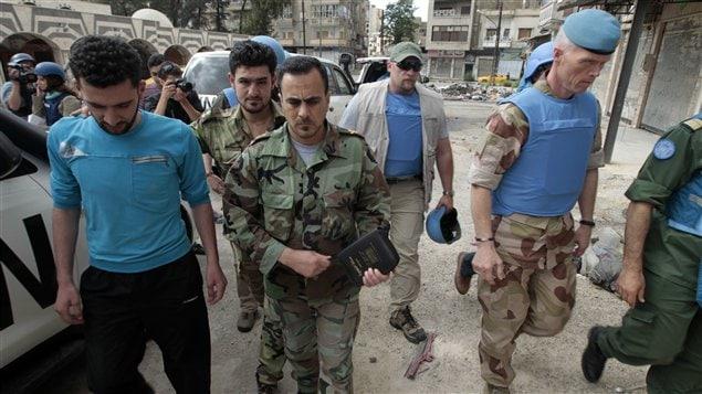 Robert Mood, chef des observateurs de l'ONU à Homs le 3 mai 2012