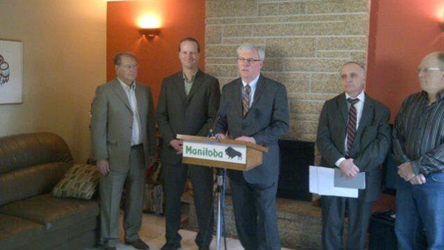 Le premier ministre du Manitoba, Greg Selinger, lors de l'annonce d'un programme d'aide financière pour la rénovation éco-énergétique