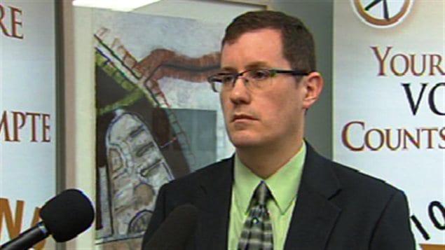 Le directeur général adjoint d'Élections N.-B., David Owens.