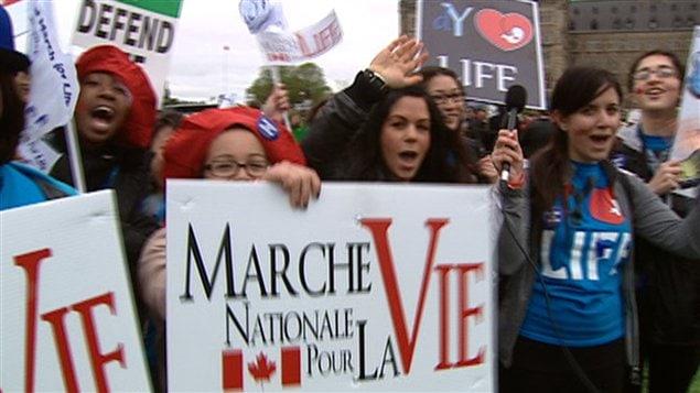 On pouvait voir plusieurs jeunes dans la foule réunie à Ottawa dans le cadre de la Marche pour la vie.