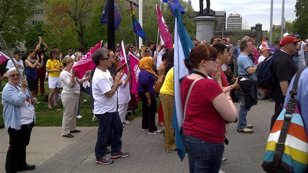 Plus d'une centaine de personnes rassemblées à Queen's Park contre l'intimidation à l'école