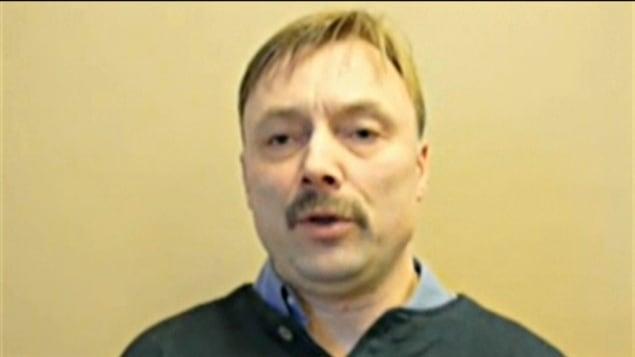 Timothy Bloedow, l'adjoint du député conservateur, Maurice Vellacott, dirige le site internet évangélique Christian Gouvernance.