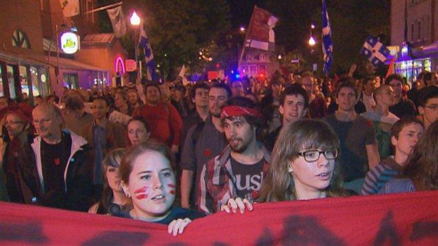 Les manifestants ont une fois de plus marché pacifiquement dans les rues de Québec.