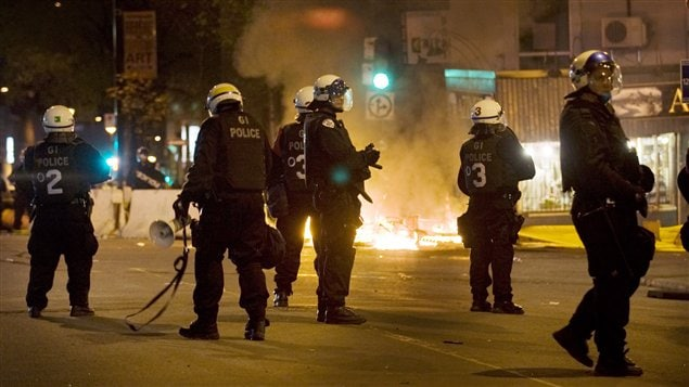 Les policiers de Montréal ont eu une autre nuit très occupée samedi soir.
