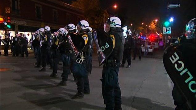 Le SPVM se tient prêt à intervenir dans le cadre de la 30e manifestation nocturne à Montréal.