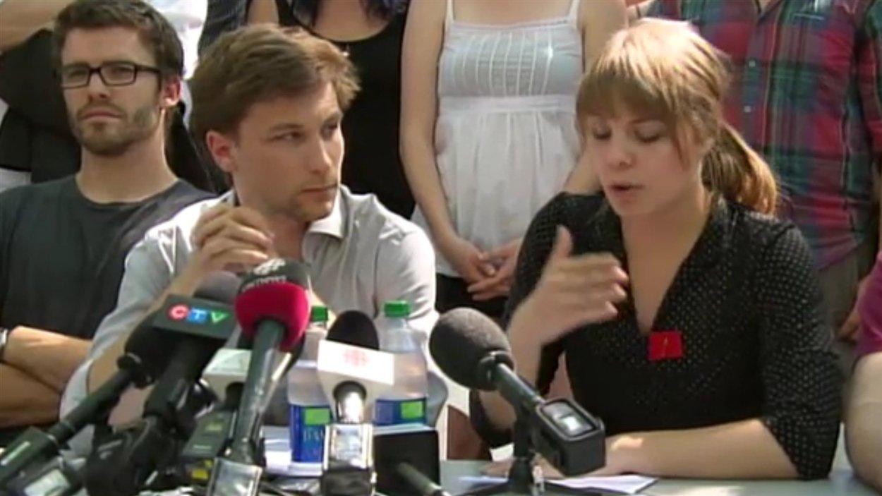 Gabriel Nadeau-Dubois et Jeanne Reynolds, deux des co-porte-parole de la CLASSE