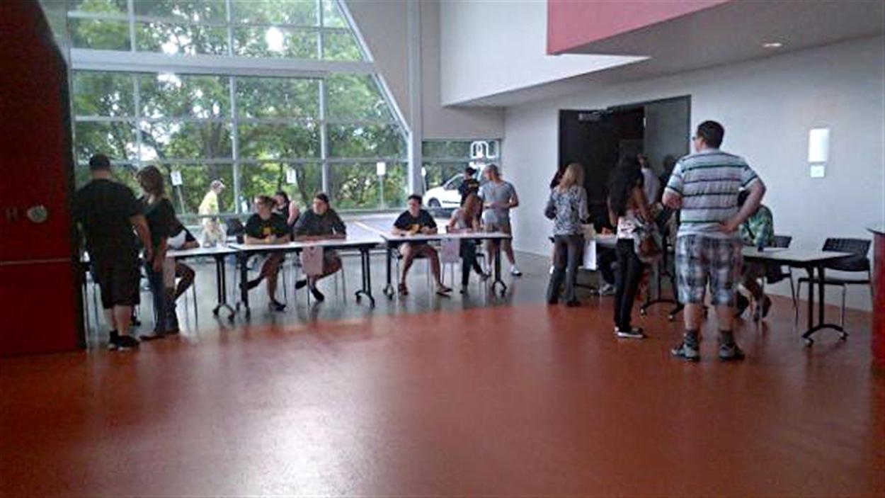 Les étudiants de l'UQO se présentent pour reconduire ou non la grève, cette fois pour la session d'été.