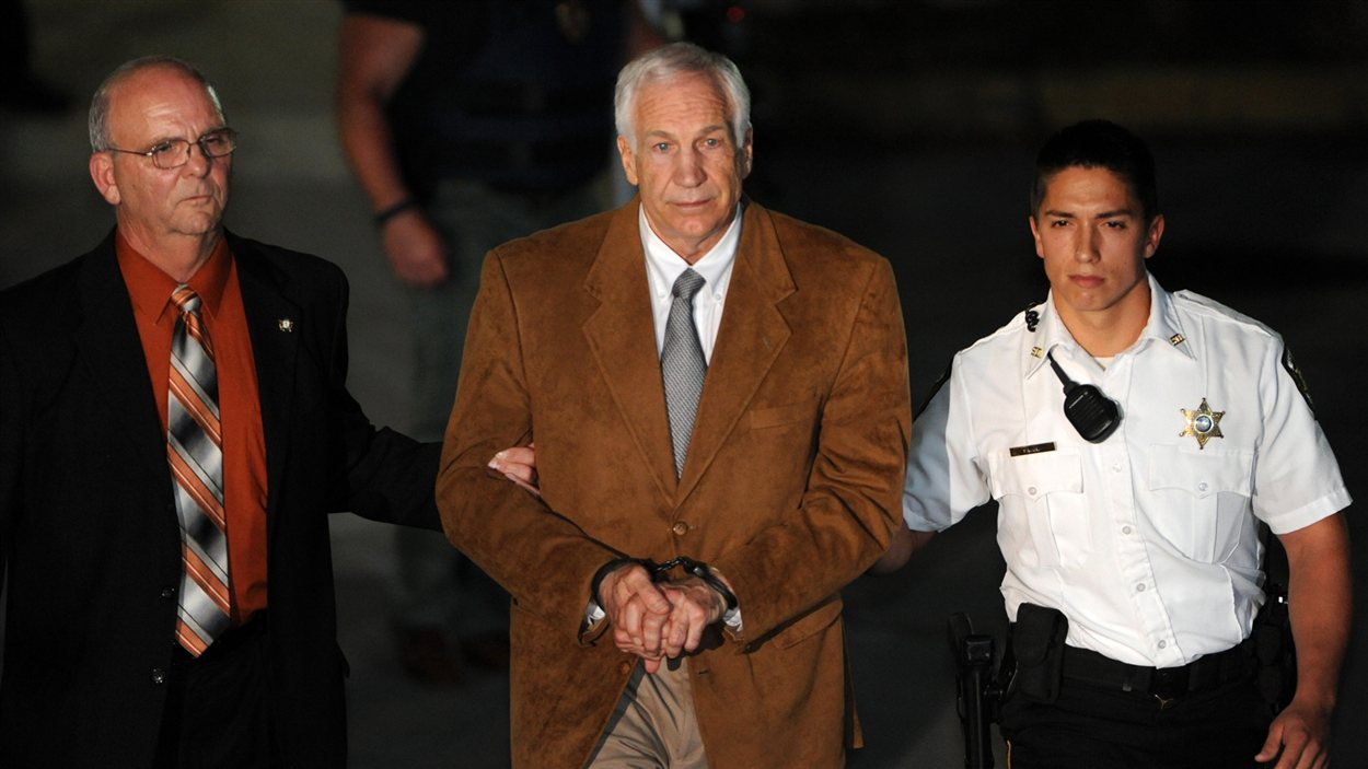 Jerry Sandusky à sa sortie du tribunal, vendredi