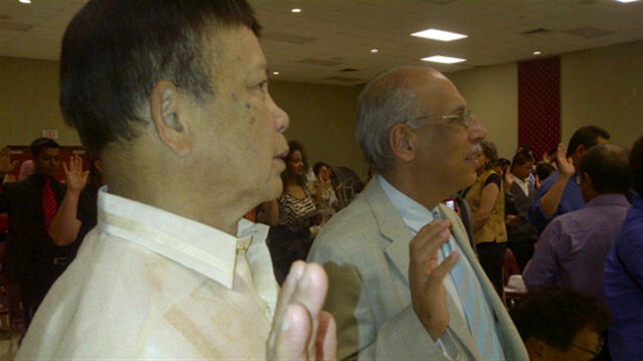 Une cérémonie de citoyenneté au centre canado-philippin de Winnipeg