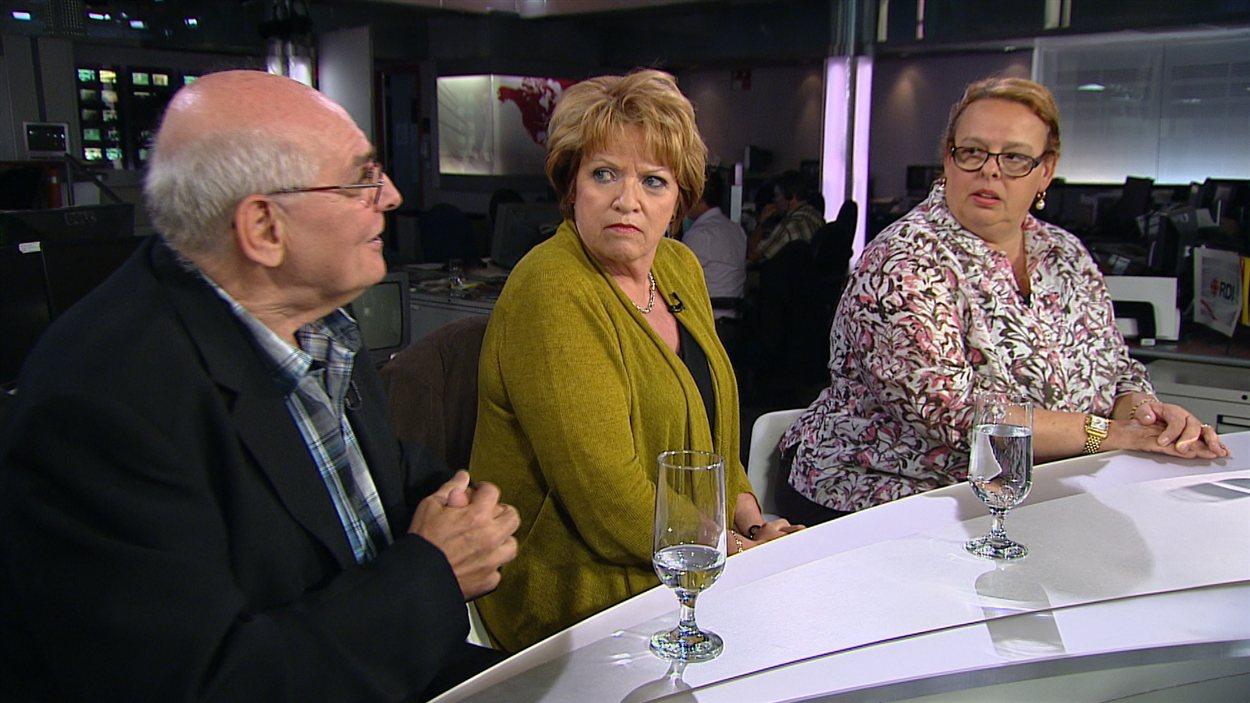 Yvon Lemay, intervenant à la Maison Oxygène, Rose-Marie Charest, présidente de l'Ordre des psychologues du Québec et Sylvie Schirm, avocate en droit familial