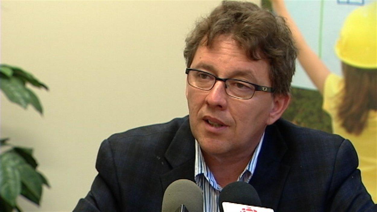 Le député Jean D'Amour