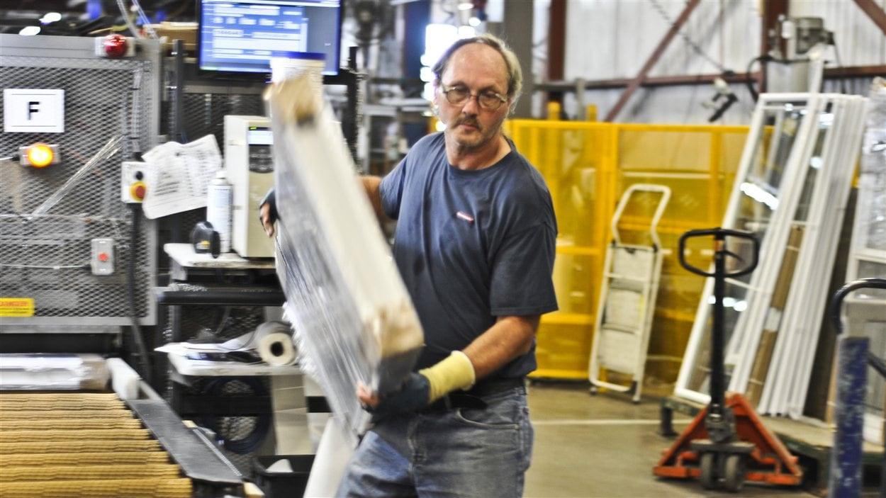rivs-ouvrier-usine