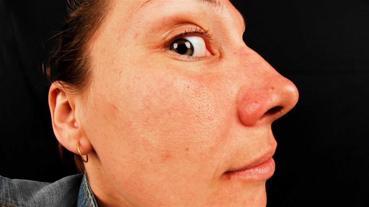 Le visage d'une femme