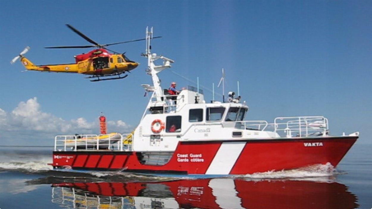 Un exercice de recherche et sauvetage de la Garde côtière du Canada sur le lac Winnipeg