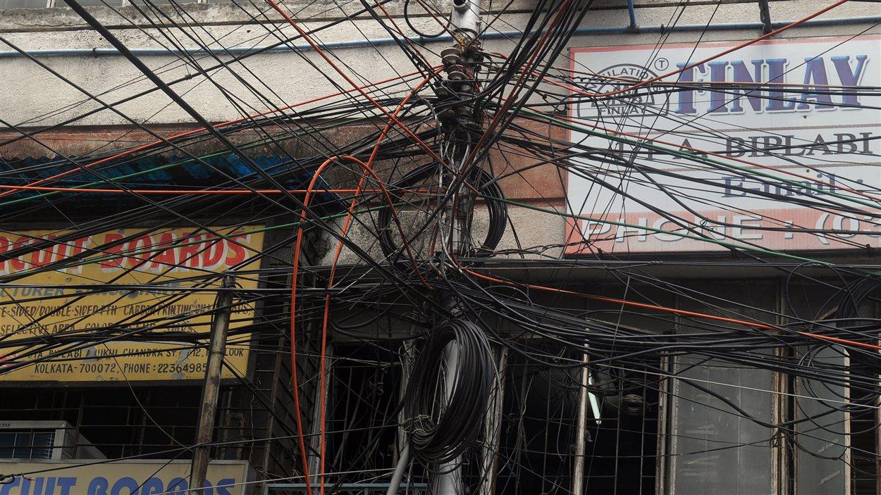 Un poteau électrique à Calcutta