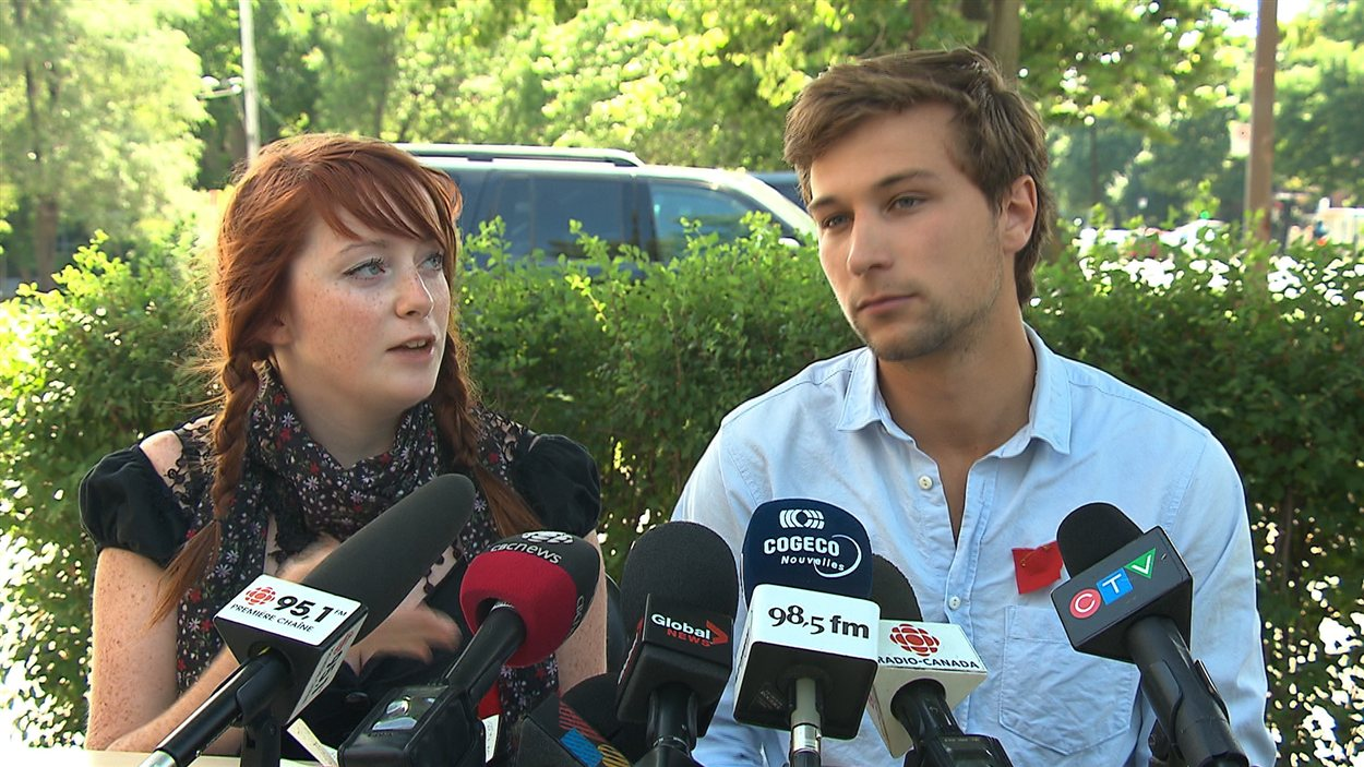 Camille Robert et Gabriel Nadeau-Dubois, coporte-parole de la Coalition large de l'Association pour une solidarité étudiante (CLASSE)