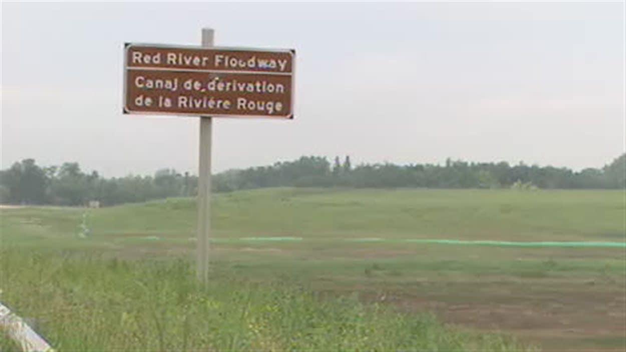 Le canal de dérivation de la rivière Rouge au Manitoba