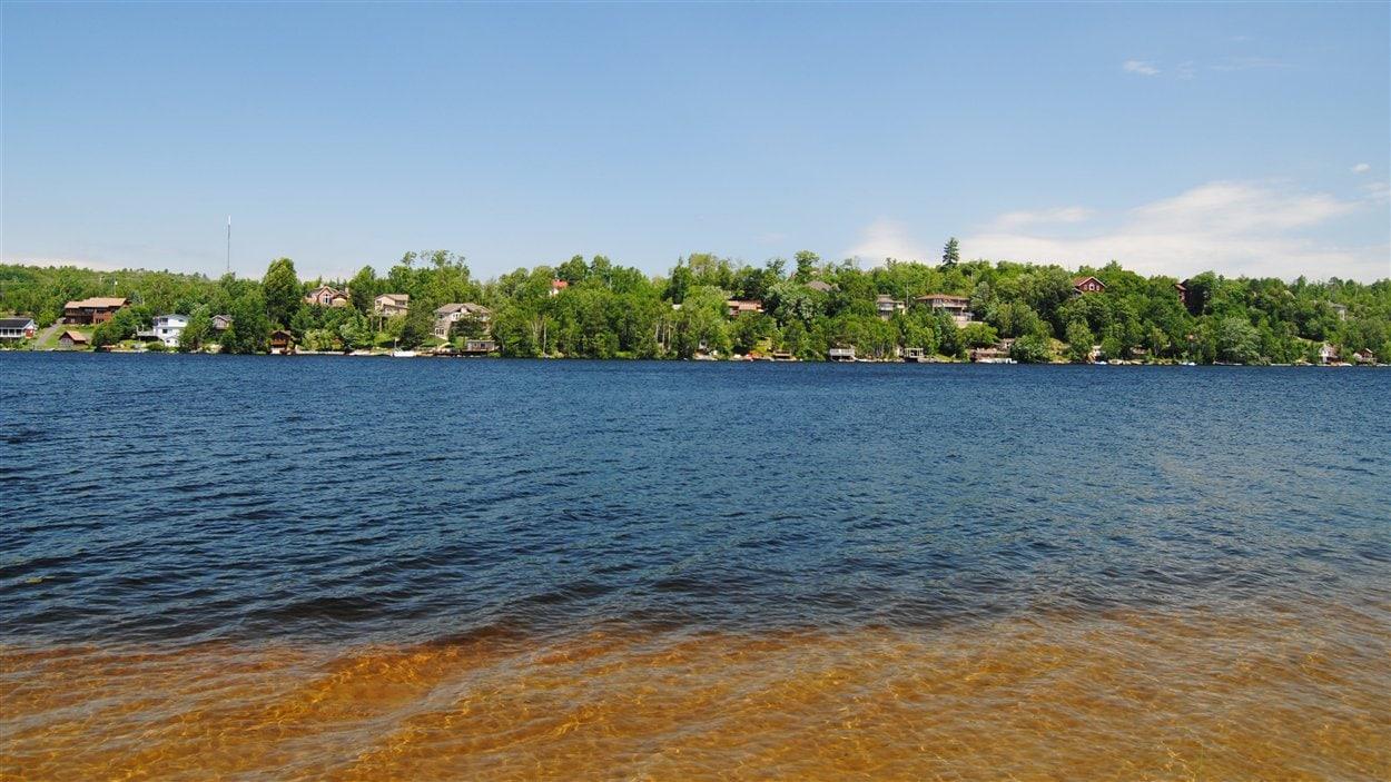Le lac Long à Sudbury (juin 2012).
