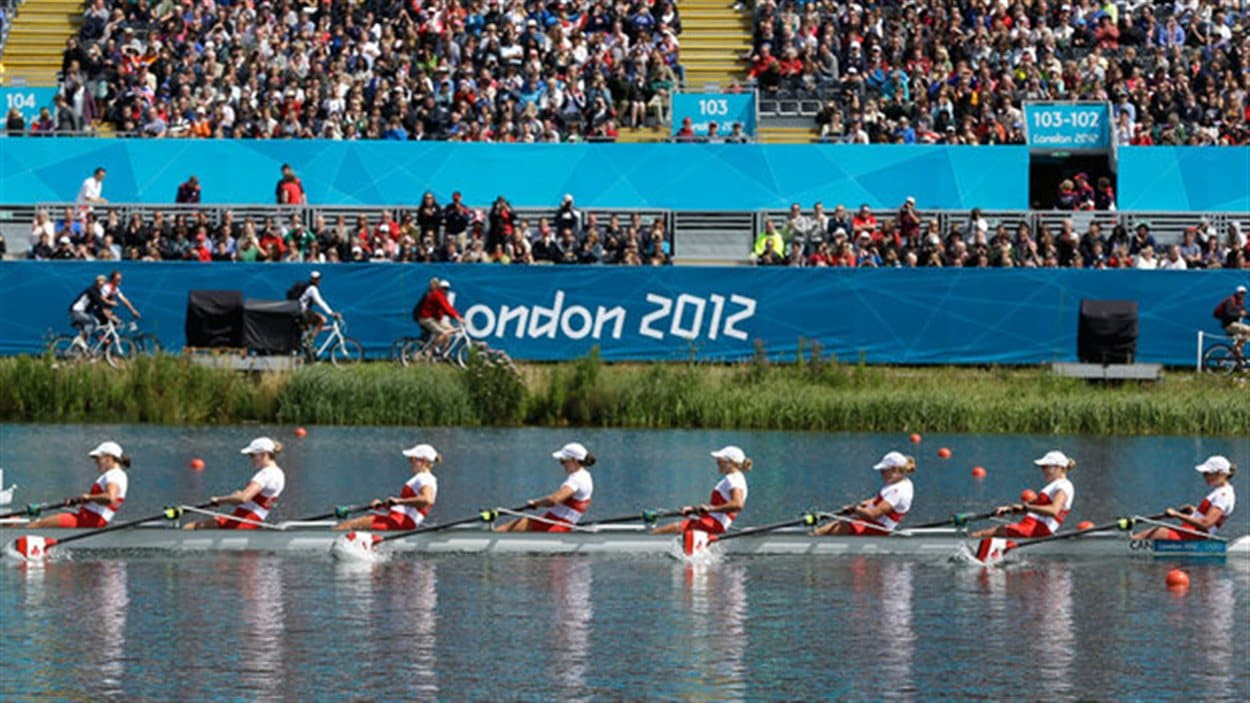 Le huit féminin canadien aux Jeux de Londres, le 29 juillet 2012.